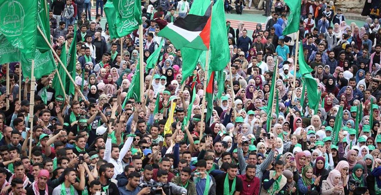 أنصار الكتلة الإسلامية خلال تجمع انتخابي في جامعة بير زيت (أرشيف)