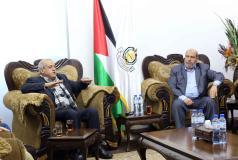 قيادة حماس تلتقي وفداً قيادياً من الجبهة الشعبية