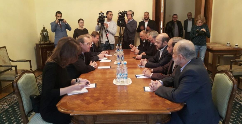 لقاء سابق جمع بين وفد من حماس مع مسؤولين روس في العاصمة الروسية موسكو (سبتمبر 2017)