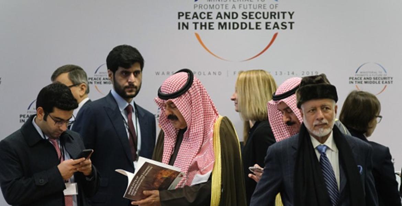 مسؤولون عرب خلال مشاركتهم في مؤتمر وارسو بمشاركة الاحتلال
