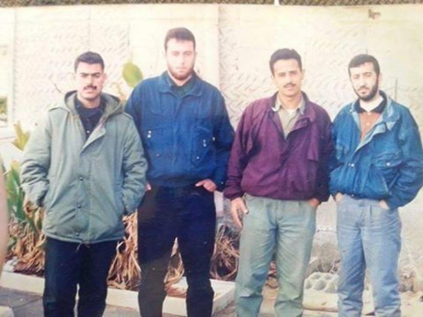 الشهيد القائد عوض سلمي برفقة الشهيد محمد أبو شمالة و بعض المجاهدين