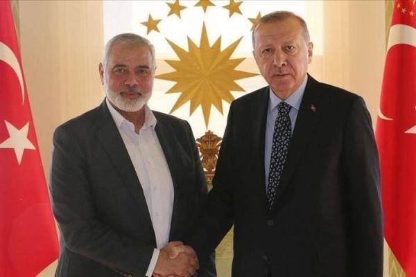 لقاء سابق في أنقرة جمع بين الرئيس التركي رجب طيب أردوغان ورئيس المكتب السياسي لحركة حماس إسماعيل هنية