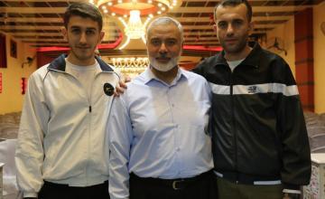 Isamil Hanyia with Khalid and Mohammad al-Hisi